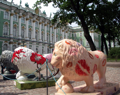 Winter_palace_lions_2